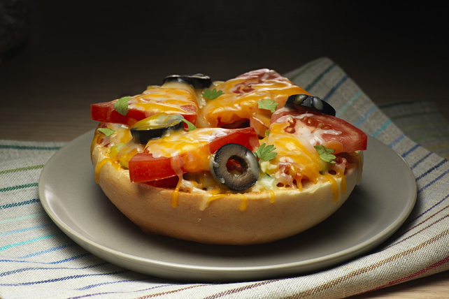 Mexican Pizza Bagel Image 1