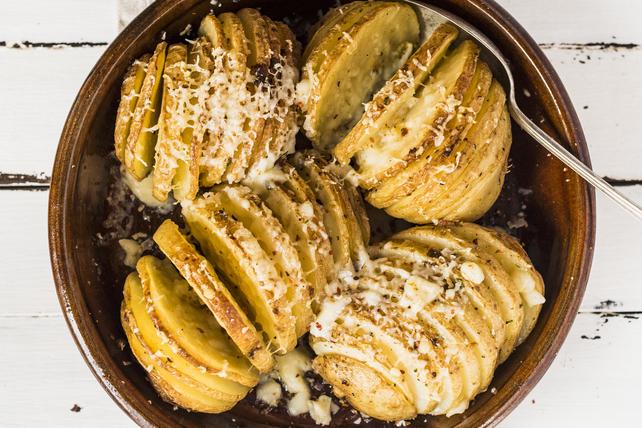 Cheesy Hasselback Potatoes Image 1