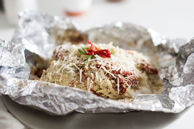 Foil-Pack Creamy Pesto Chicken & Rice Image 1