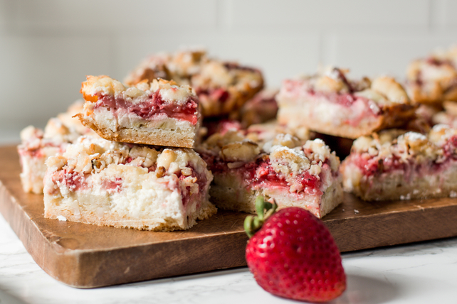 Coconut, Strawberry-Banana & Cream Bars Image 1