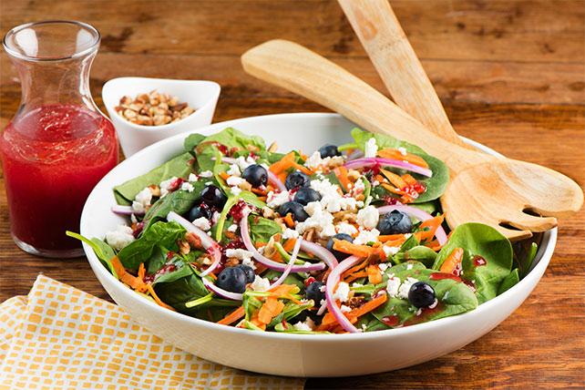 Salade estivale à la vinaigrette aux framboises Image 1