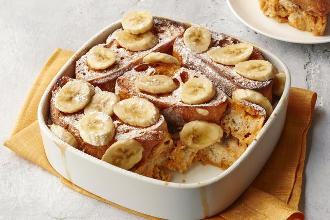 Casserole de pain doré aux bananes et au caramel écossais Image 1
