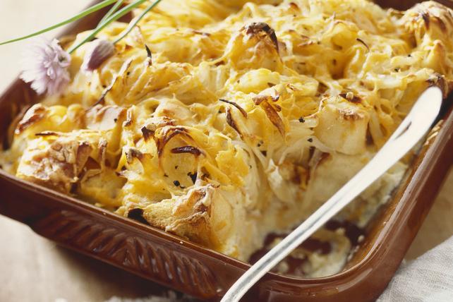 Strata au fromage et aux oignons pour le déjeuner Image 1