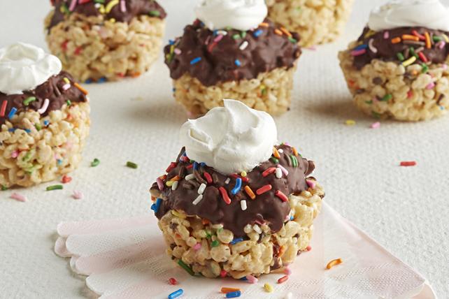 """Cupcake"" Crispy Treats Image 1"