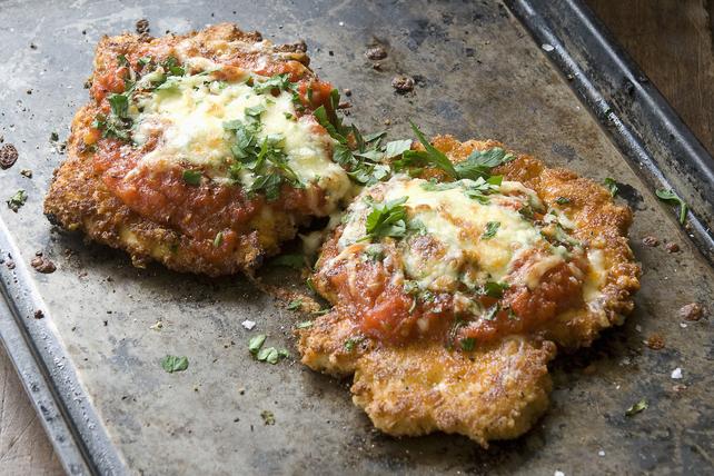 Poulet parmesan en sauce marinara cuit au four Image 1