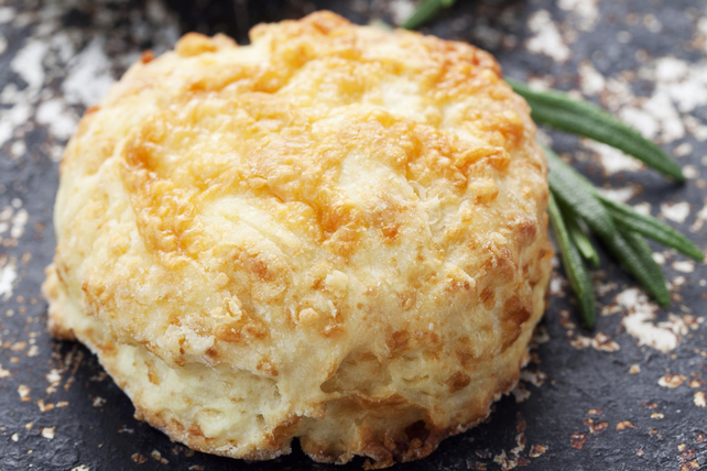 Savoury Oatmeal and Cheddar Scones Image 1
