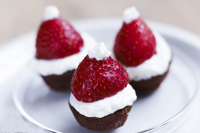 No-Bake Santa Hat Brownie Bites Image 1