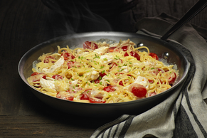 One-Pan Chicken & Bacon Cheddar Spaghetti
