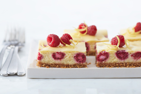 Fresh Raspberry-Lemon Cheesecake Bars