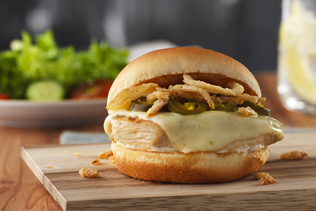 Pepper Jack-Jalapeño Chicken Sandwich Image 1