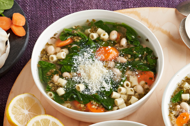 Vegetarian Slow-Cooker Minestrone Image 1