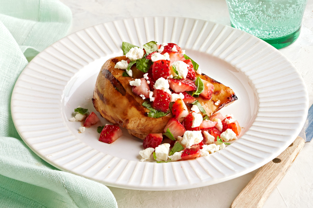 Grilled Chicken with Strawberry Salsa Image 1