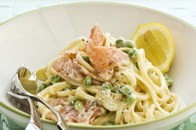 Lemon & Smoked Salmon Linguine with Peas Image 1