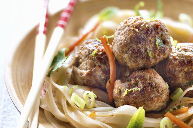 Spicy Sesame Seed-Chicken Meatballs with Noodles Image 1