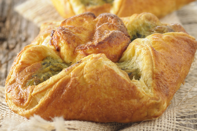 Savoury Pesto and Cheese Danishes Image 1