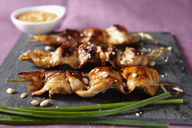 Sweet'n Sticky Chicken Skewers with Peanut Sauce Image 1