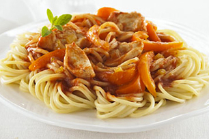 Spaghettini with Chicken, Onion and Peppers