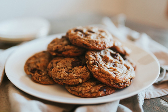 Original BAKER'S Dark Chocolate Chunk Cookies Image 1