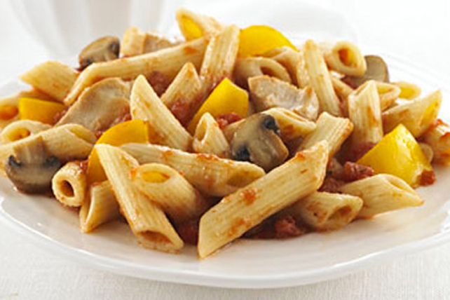 Penne Pasta with Chicken, Peppers and Mushrooms Image 1