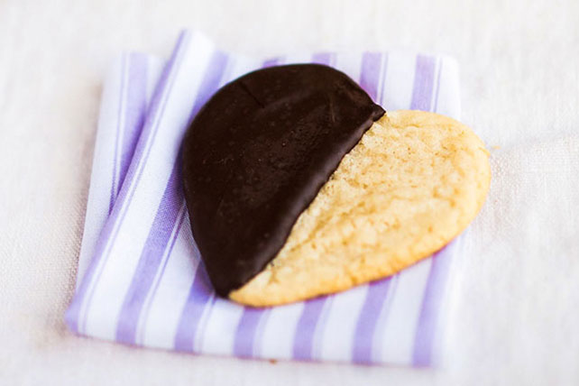 Black & White Heart Cookies Image 1
