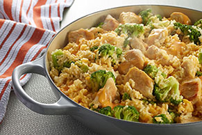 VELVEETA® One Pot Cheesy Chicken and Broccoli Rice
