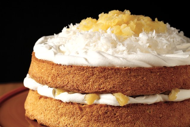 Holiday Coconut Cake Image 1
