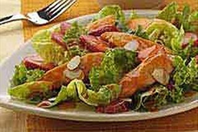 CATALINA Berry Chicken Salad Image 1