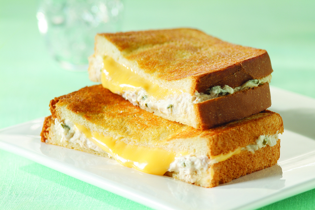 Creamy 2-Cheese Tuna Melts Image 1
