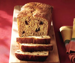 Low-Fat Orange-Raisin Bran Bread Image 1