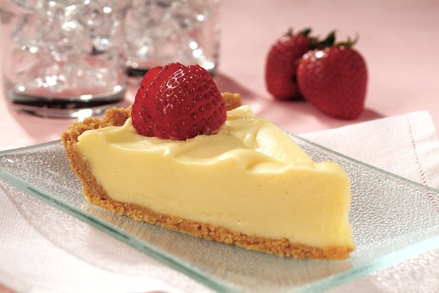 Refrigerated White Chocolate Cheesecake Image 1