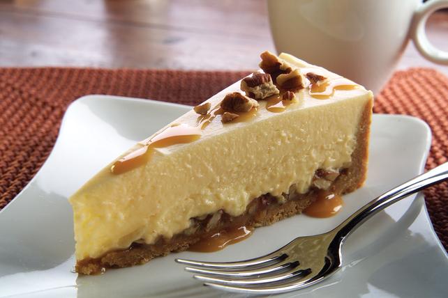 Easy Caramel Pecan Cheesecake Image 1