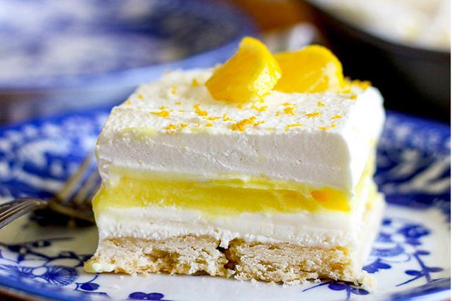 Carrés de gâteau au fromage étagé au citron Image 1