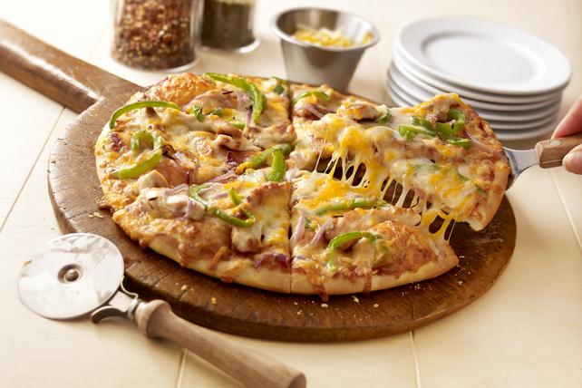 California-Style Barbecue Chicken Pizza Image 1