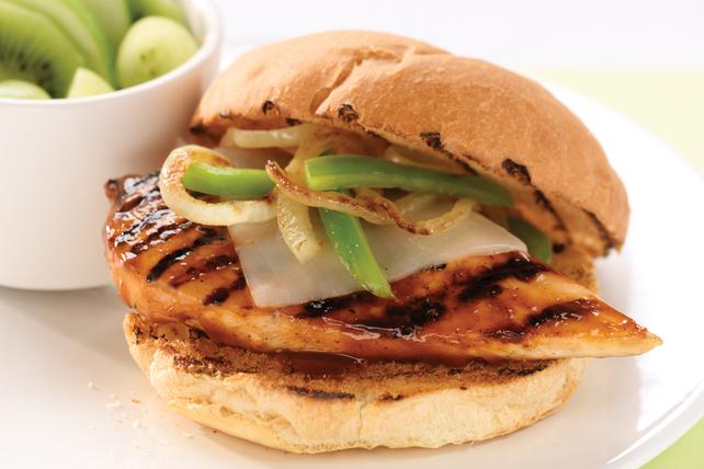 Sandwich à la poitrine de poulet barbecue et au fromage Image 1