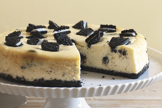 Easy OREO Cookie Cheesecake Image 1