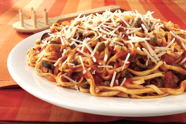 Pasta Puttanesca Image 1