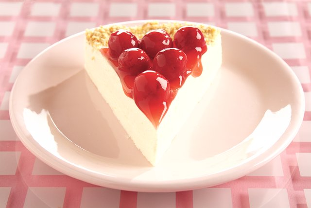 Cool Lemon Cheesecake Image 1