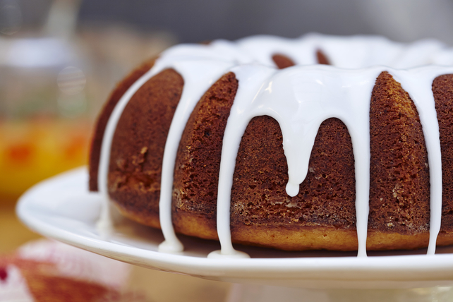 Strawberry-Lemonade Pound Cake Image 1