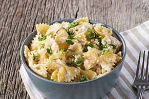 Pasta with Creamy Garlic & Walnut Sauce