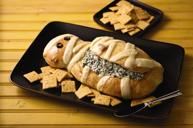 Halloween Spinach Dip Image 1