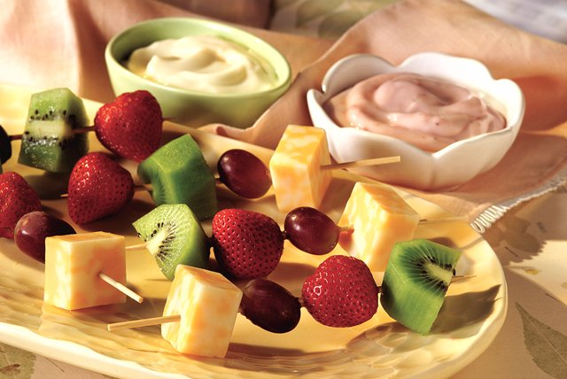 Cheese and Fruit Kabobs Image 1