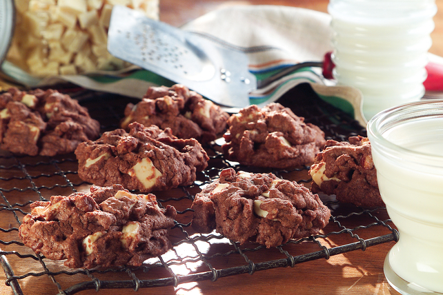 Chocolate White Chocolate Chunk Cookies Image 1