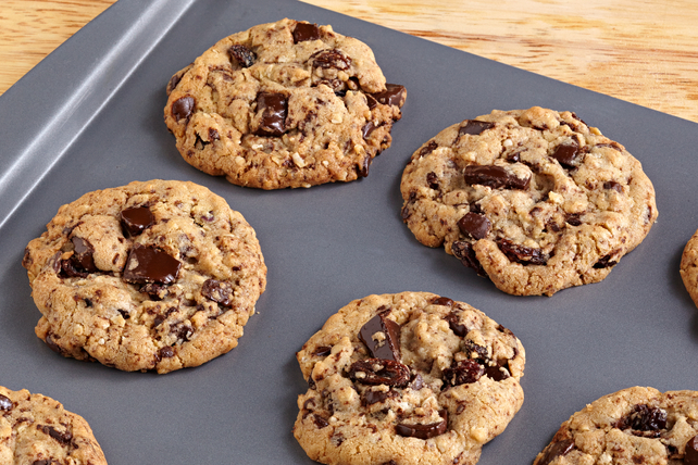 BAKER'S Oatmeal Raisin-Chocolate Chunk Cookies