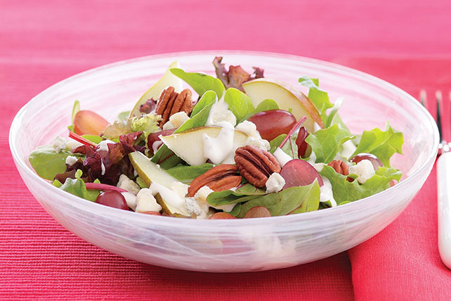 Mixed Greens with Pear & Pecan Salad Image 1