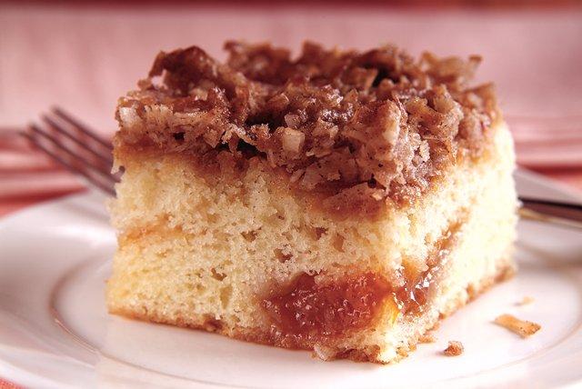 Apricot Crumble Cake Image 1