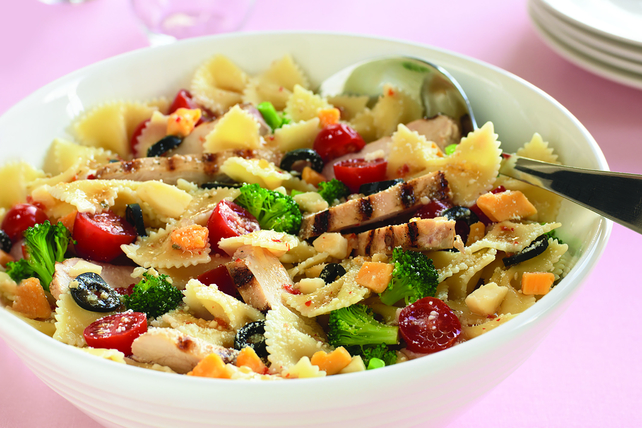Chicken Bow-Tie Pasta Salad Image 1
