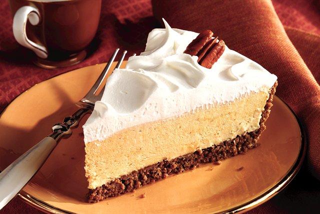 Festive Pumpkin-Marshmallow Pie Image 1