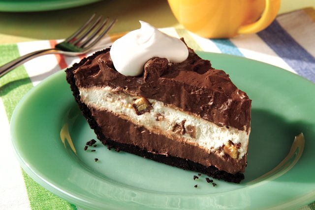 Smart-Choice Candy Bar Pie Image 1
