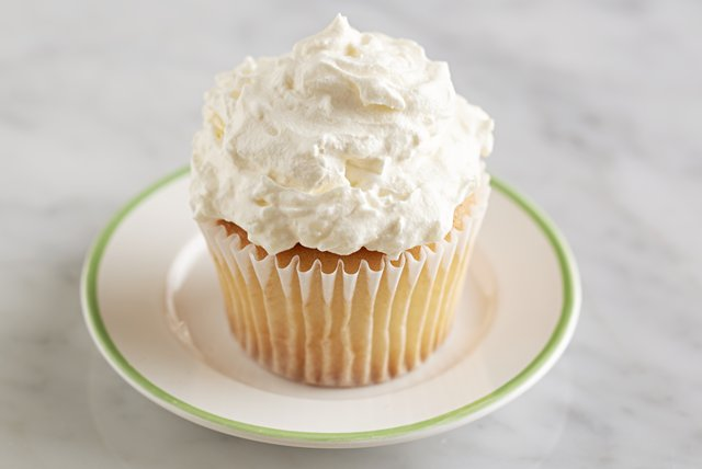 Fluffy Coconut Frosting Image 1