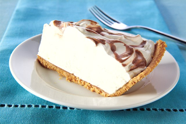 Coffee-Drizzled Cream Cheese Pie Image 1